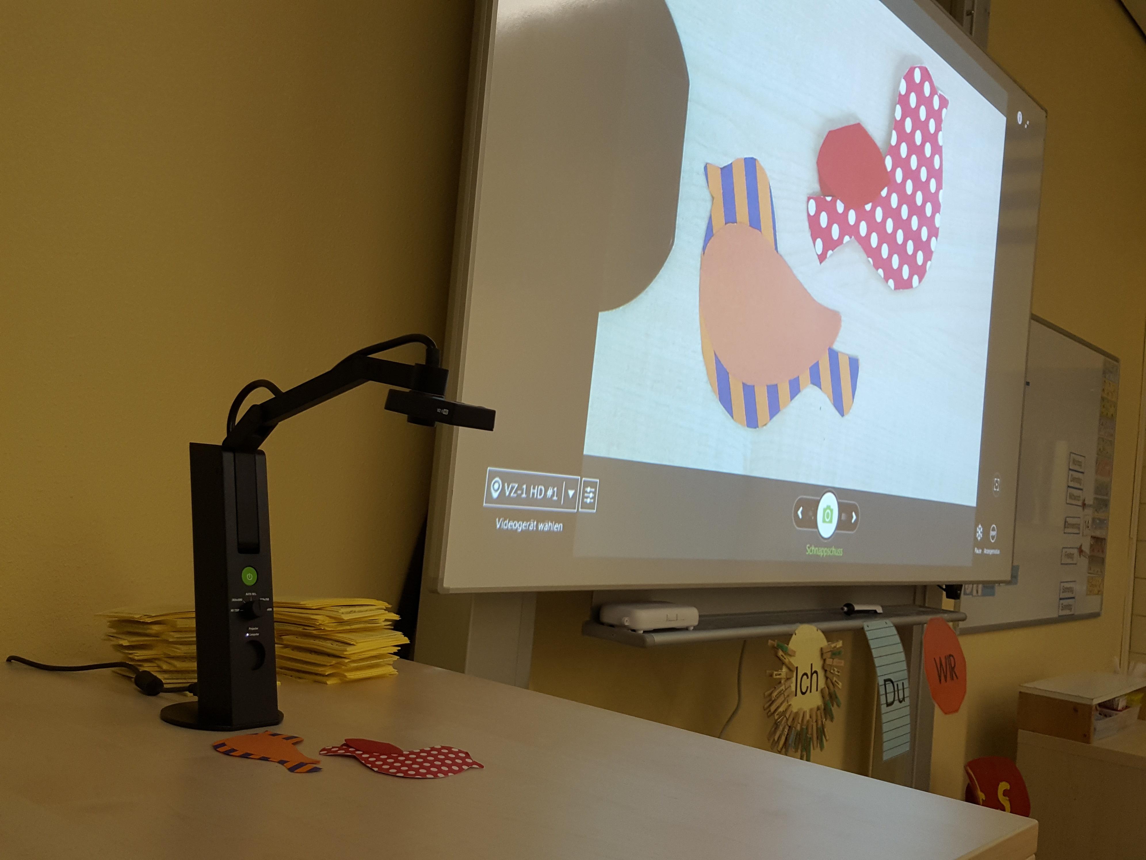 Kamera für die Whiteboards - Petrus-Canisius-Schule